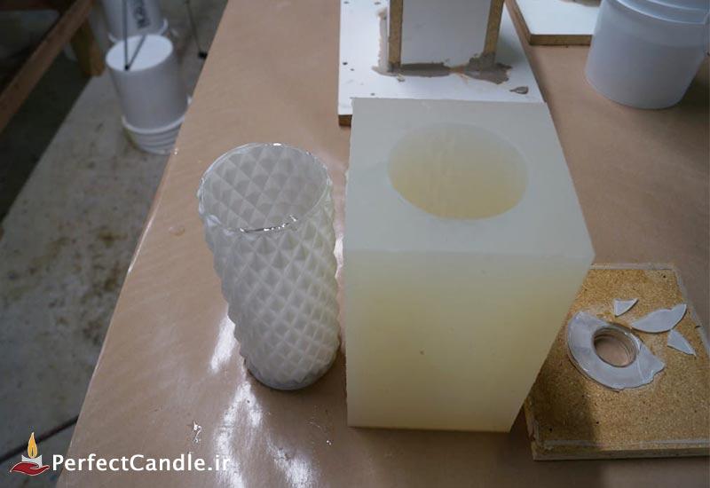 قالب شیشه ای کامل از قالب سیلیکونی خارج شده است